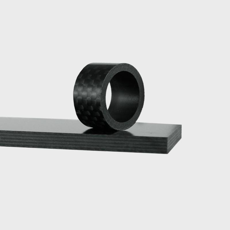 media/image/carbon-material-zuschnitt.jpg